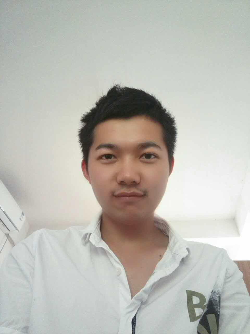 朱泽宇的简历照片