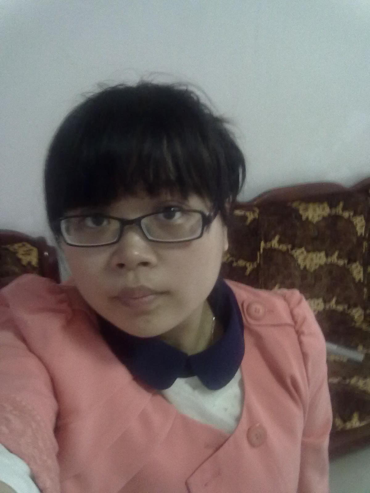 刘艳的简历照片