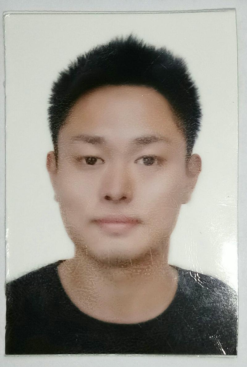 张先生的简历照片