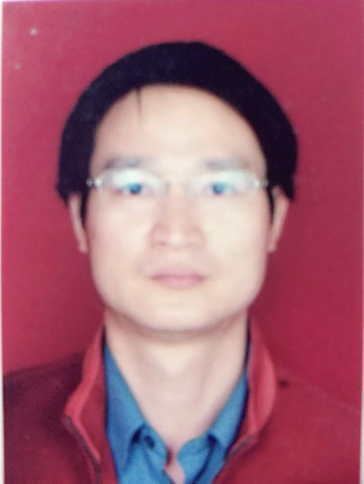 王先生的简历照片