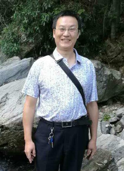 李庆中的简历照片